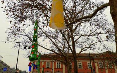 PRAZNIČNO-NOVOLETNI LAMPIJONI V ZVEZDA PARKU